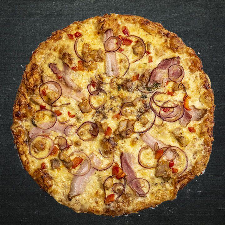 BBQ mērce, siers (krievijas), c/g krūtiņa kūpināta, marinēts vistas šķiņķis, sīpoli, paprika